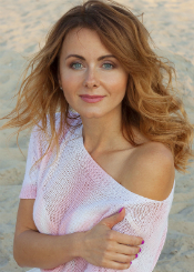 Viktoriia from Cherkassy, Ukraine. Serious and charming divorced