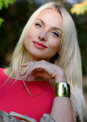 Elena from Rivne, Ukraine. Active and interesting lady divorced