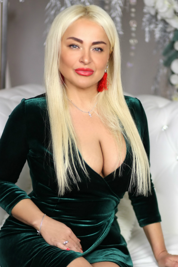 Photo of lady Larisa (1)