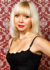 Elena from Vinnitsa, Ukraine. Active and beautiful divorced