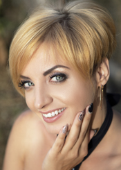 Irina from Vinnitsa, Ukraine. Sweet and funny divorced