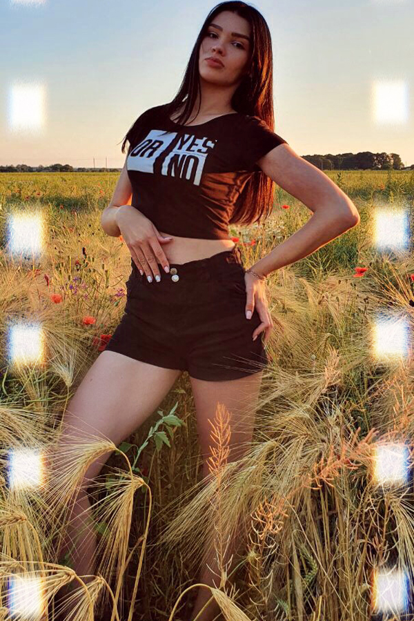Ukraine woman dating: Daria from Odessa, 22 yo, hair color