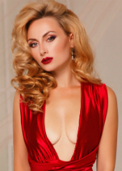 Tatiana is very active lady. She is cheerful, sociable, witty person who likes spending time on nature and developing her personal skills. She wants to find someone special to share all her feelings and emotions with.