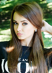 Beautiful girl looking for man abroad Yulia 5265